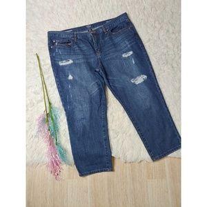 ANA Distressed Mediumwash Boyfriend Jeans